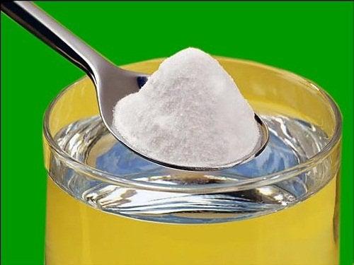 Щелочная вода с использованием пищевой соды