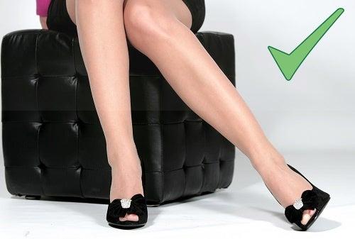 Красивые ноги ласкать