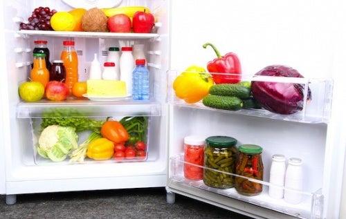 14 продуктов, которыми нужно заполнить холодильник