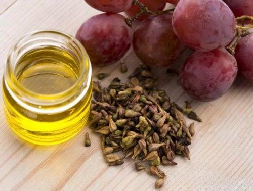 Масло и виноградные косточки