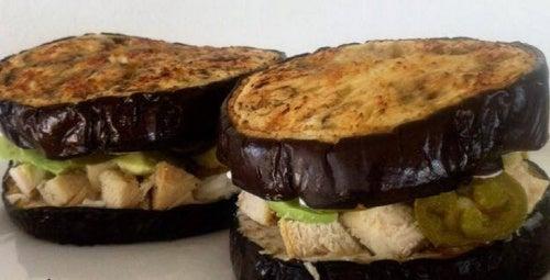 Сэндвич с баклажаном