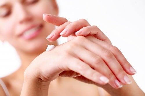 Увлажнение рук