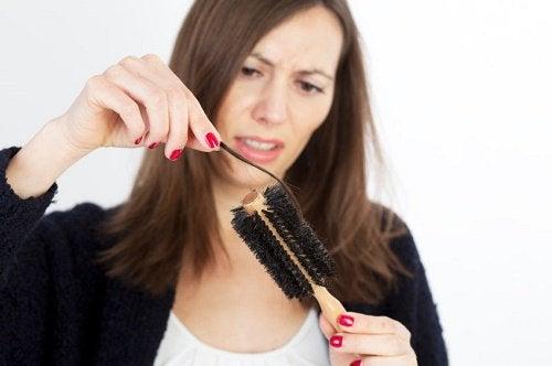 Выпадение волос и стресс