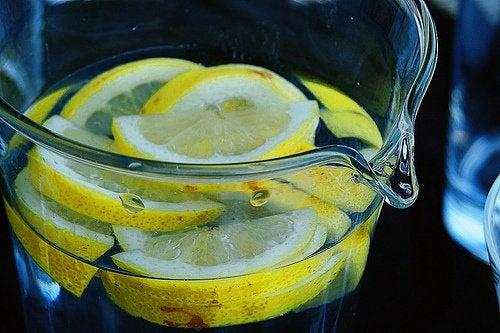 Зеленый чай с лимоном - отличное средство для детоксикации