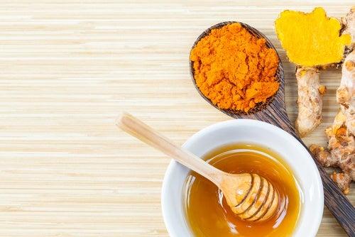 Куркума и мед: старинное натуральное средство
