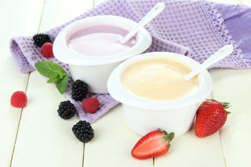 Йогурт и здоровые кости