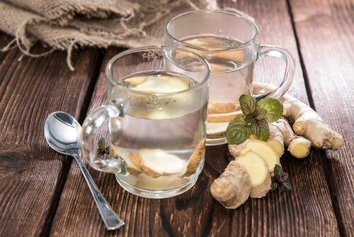 Имбирный чай поможет вылечить боль в горле