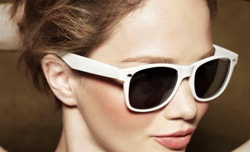 Очки от солнца защитят кожу