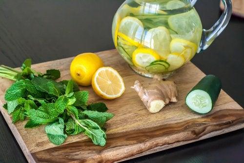 Детокс-диета: лимон, имбирь и огурец!