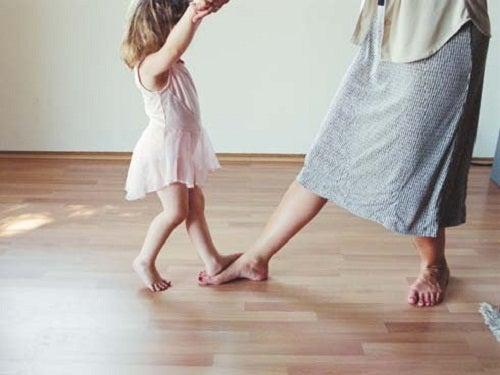 Танцы с ребенком и воспитание