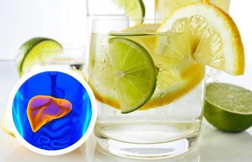 Вода с лимоном полезна для сердца и печени