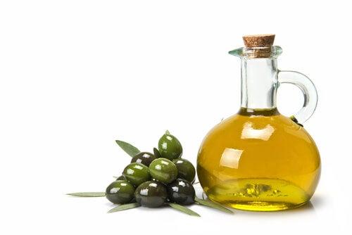 Оливковое масло и полезные жиры