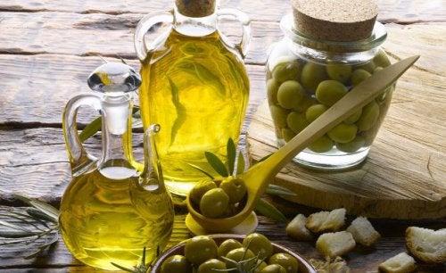 Оливковое масло сохранит авокадо свежим