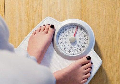 Яблочный уксус помогает сбросить вес