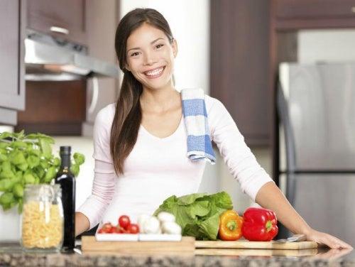 Кишечные паразиты могут передаваться через фрукты и овощи