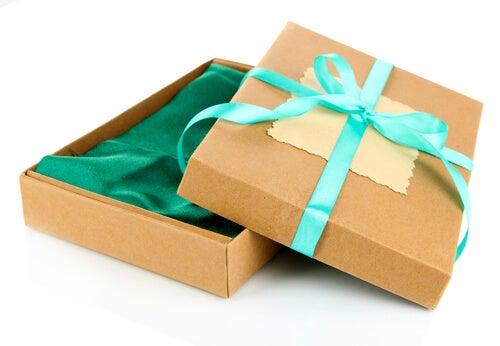 Картонные коробки можно использовать повторно