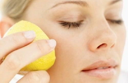 Лимон и очищение кожи