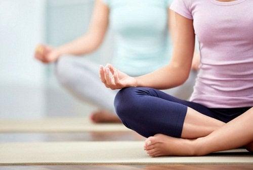 Йога и боли в спине