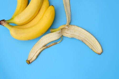 Банановая кожура и 16 способов ее использования