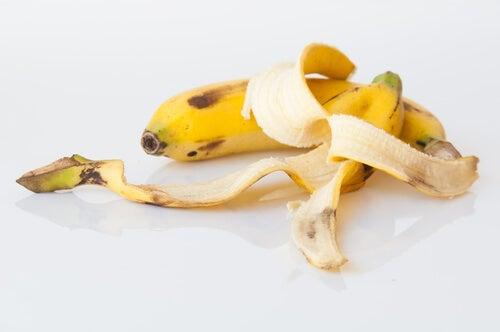 Банановая кожура уберет бородавки