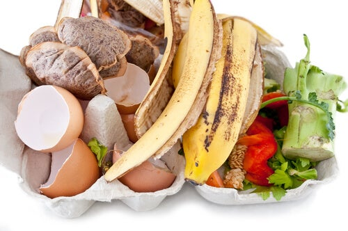 Банановая кожура - это отличное удобрение для почвы