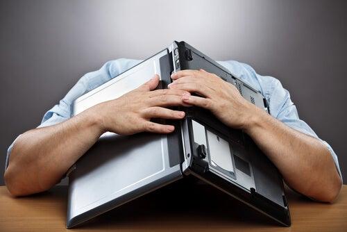 Физическая и моральная усталость в офисе