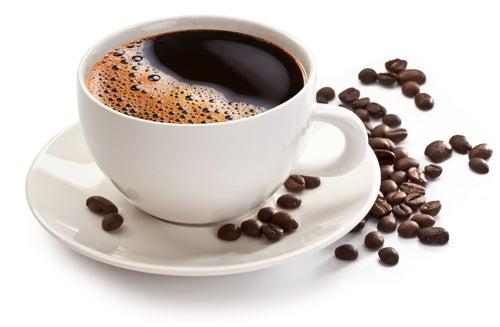 Кофе может сделать зубы желтыми