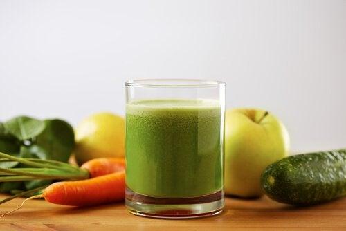 Зеленый коктейль снизит давление