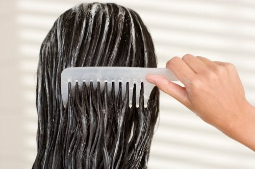 Волосы можно укрепить с помощью маски