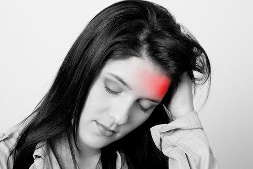 Мигрень у женщин вызывает дефицит конкретного фермента