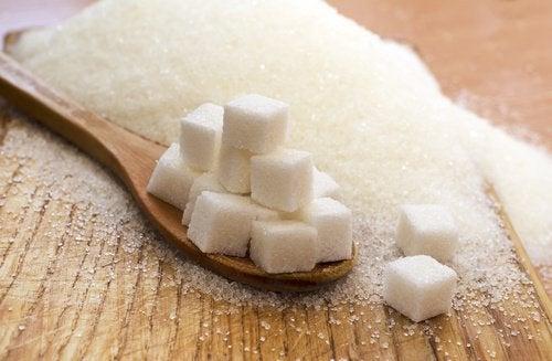 Что происходит с организмом, когда мы перестаем есть сахар: 7 удивительных перемен