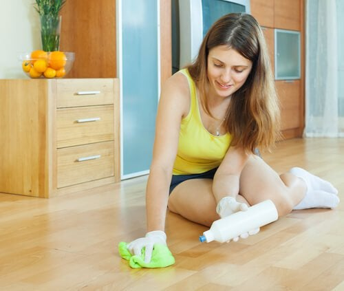 Уборка и мытье пола