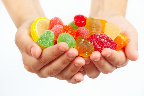 Сахар вызывает кариес