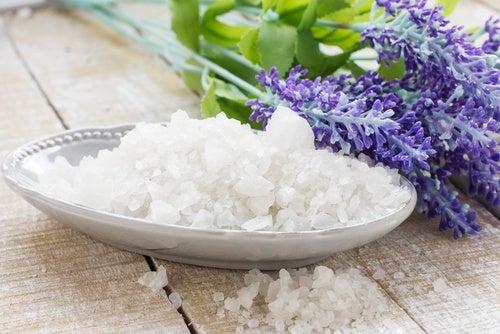 Соль сузит расширенные поры