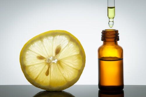 Эфирные масла цитрусовых фруктов поднимают настроение и помогают победить печаль
