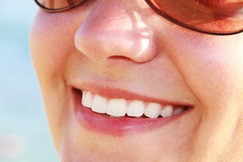 Пожелтение зубной эмали