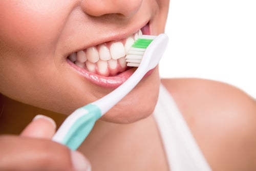 Пожелтение зубной эмали: что делать, чтобы его избежать