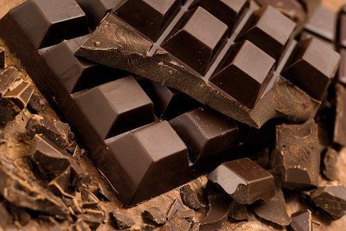 Черный шоколад если у вас стресс