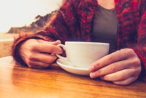 Вы знали, что ваш мозг просто обожает кофе? Он позволяет ему оставаться молодым!