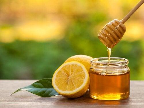 Маска для лица из меда и лимона