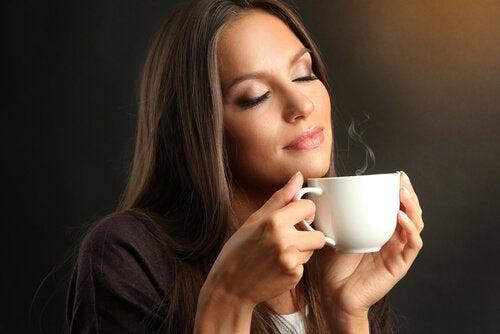 Согреет кофе если холодные ноги