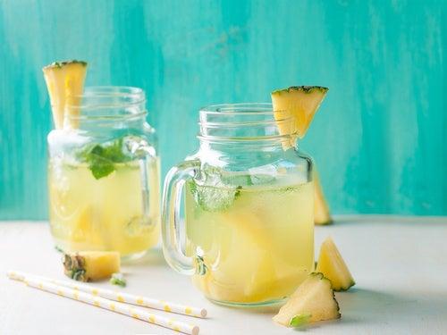 Ананасовая вода поможет справиться с задержкой жидкости!