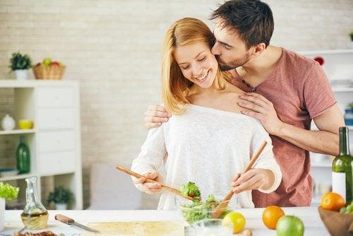 Совместное приготовление пищи укрепляет отношения