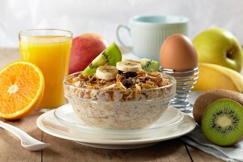 Хороший завтрак позволит снизить вес