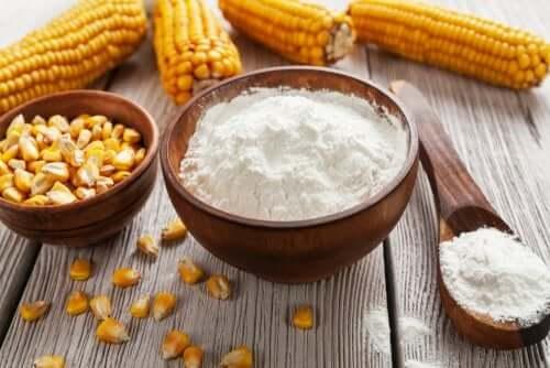 Кукурузный крахмал: 12 необычных способов применения