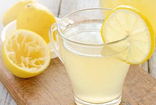 Горячий лимонад поможет сбросить вес
