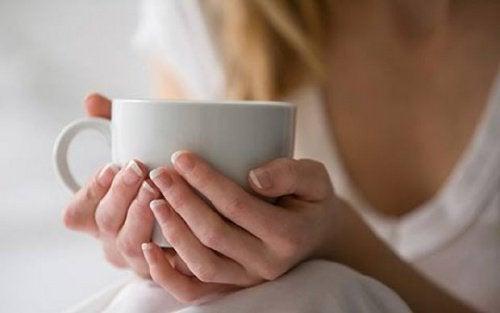 Настой из страстоцвета и валерианы улучшает эмоциональное состояние при менопаузе