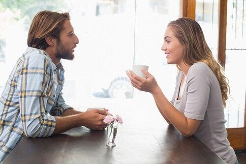 Общение в отношениях укрепляет любовь