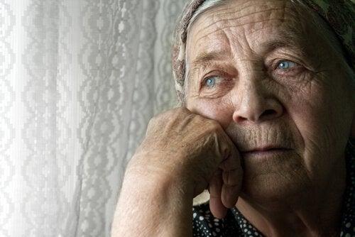 Одиночество пожилых людей