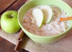 Овсянка и яблоко регулируют уровень сахара